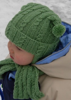 Шапочка с рожками для малыша
